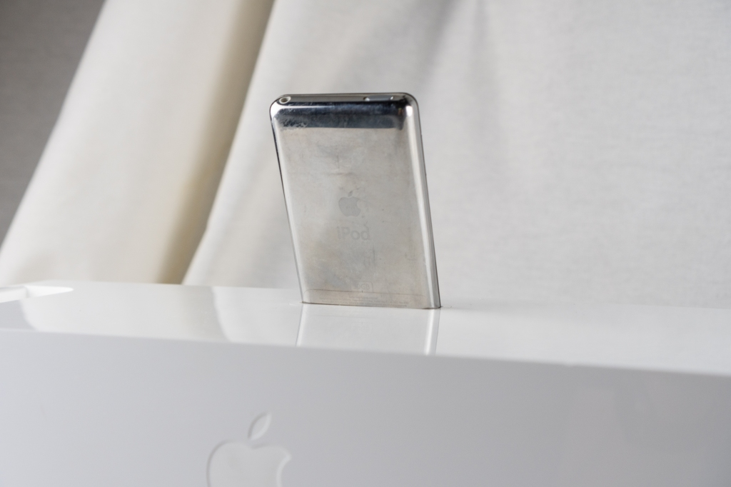 back view of ipod